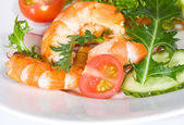 Salad with shrimps — Stockfoto