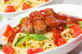 Pasta with meatballs and vegetables — Stock Photo
