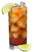 Cocktail with lime and cola — Стоковое фото