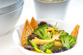 Tofu beancurd and vegetables — Stock Photo