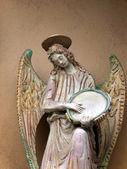 Rzeźba anioła z tamburyn. — Zdjęcie stockowe