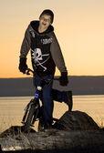 Rower w nocy — Zdjęcie stockowe
