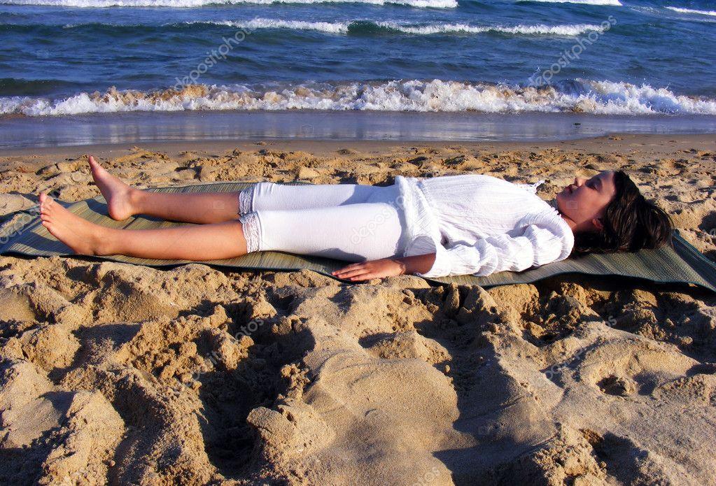depositphotos_2771444-Young-yoga-girl-relaxing