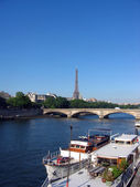 Eiffel Tower, Seine and bridge — Stock Photo