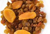 Dried apricots and raisins — Stock Photo