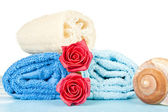 Towels and roses — Stock Photo