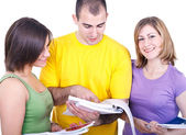 Drei studenten lernen — Stockfoto