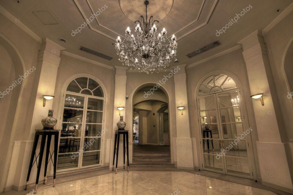 Grand Foyer Chandelier : Grand crystal chandelier online