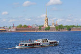 Water transport in Saint Petersburg — Stockfoto