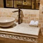 Мраморная ванная раковина — Стоковое фото #2746440