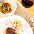 Gourmet meal with red wine — Stockfoto