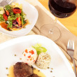 Gourmet meal with red wine - Foto Stock