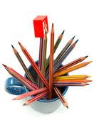 Lápices de colores en taza — Foto de Stock