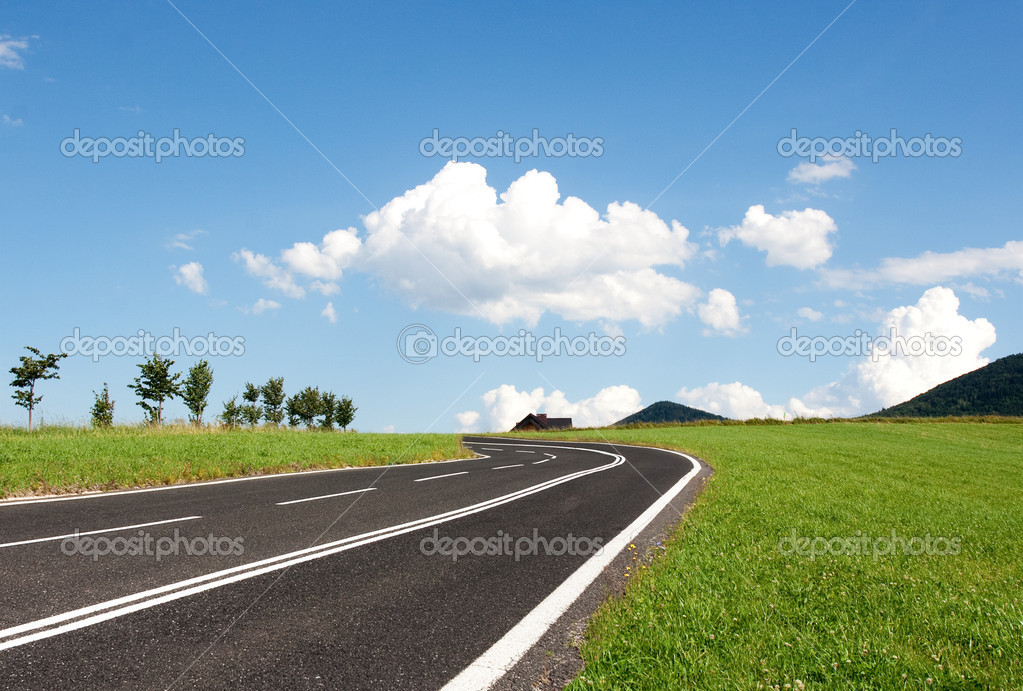 Freedom to push ahead - empty road — Stock Photo #2833166