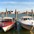 Water taxi on the Grand canal in Venice — 图库照片