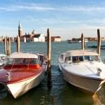 táxi aquático no grande canal de Veneza — Foto Stock