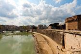 Rio tibre em roma — Fotografia Stock