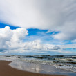 Beautiful sea and cloudy sky — Stock Photo