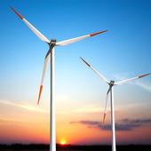Turbinas al atardecer — Foto de Stock