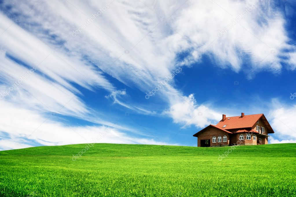 Your new home on a green hill — Stock Photo #3912674