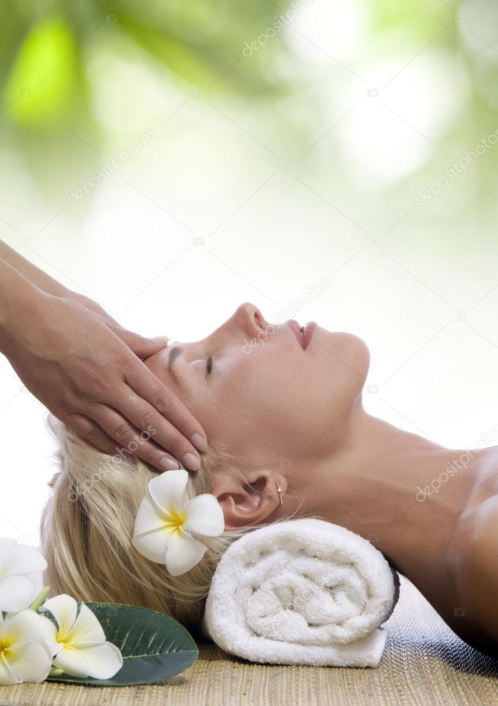 Portrait of young beautiful woman in spa environment — Stock Photo #3503373