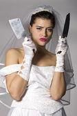Bridezilla holding messer — Stockfoto