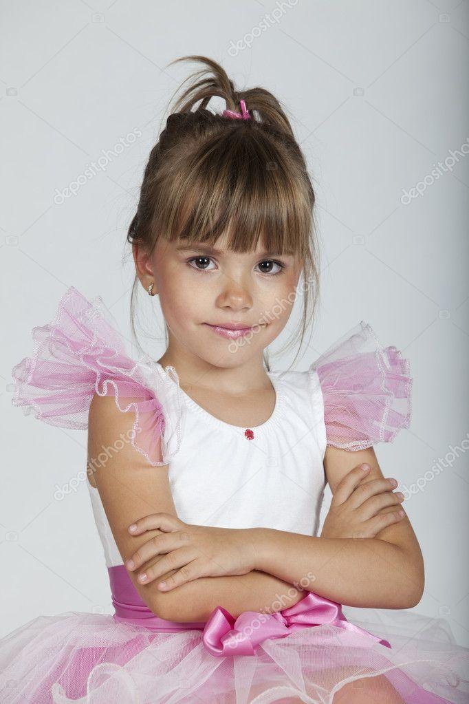 tiny girls posing pics