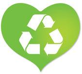 Yeşil kalp içinde geri dönüşüm simgesiyle — Stok Vektör
