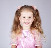 Krásná mladá usměvavá dívka — Stock fotografie