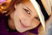 Close-up portrait schöne rothaarige mädchen. — Stockfoto