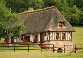 типичный французский дом — Стоковое фото
