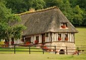 Typiskt franska hus — Stockfoto