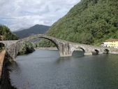 Ponte della Maddalena across the Serchio — Stock Photo