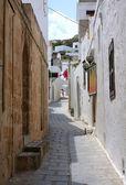 Street in Lindos, Rhodes island — Stock Photo