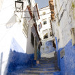 Typical street in chefchaouen — 图库照片