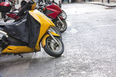 Line of mopeds — Stock Photo
