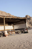 Bedouin tent in the egyptian dessert — Stock Photo