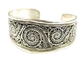 Metal bracelet with a pattern — Stock Photo