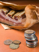Bringing home the bacon — Stockfoto