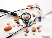 Stethoscope & Drugs — 图库照片