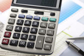 Calculadora e diagrama — Foto Stock