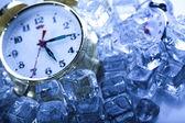 Cold morning & Clock — Stock Photo