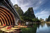 Bamboo raft on the Li river — Stock Photo