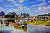 Li river karst mountain landscape in Yangshuo, China — Stock Photo