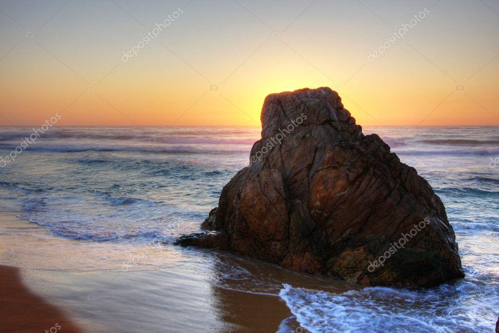 Фотообои Восход Скалы
