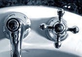 łazienka kranu — Zdjęcie stockowe