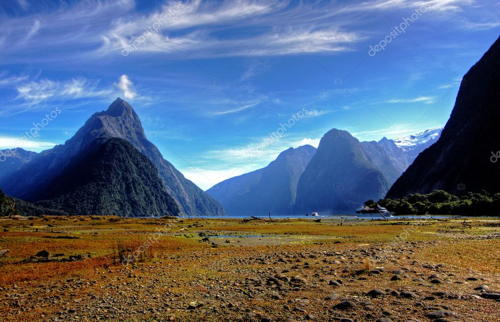 Mitre Peak in New Zealand at low tide — Stock Photo #3371257