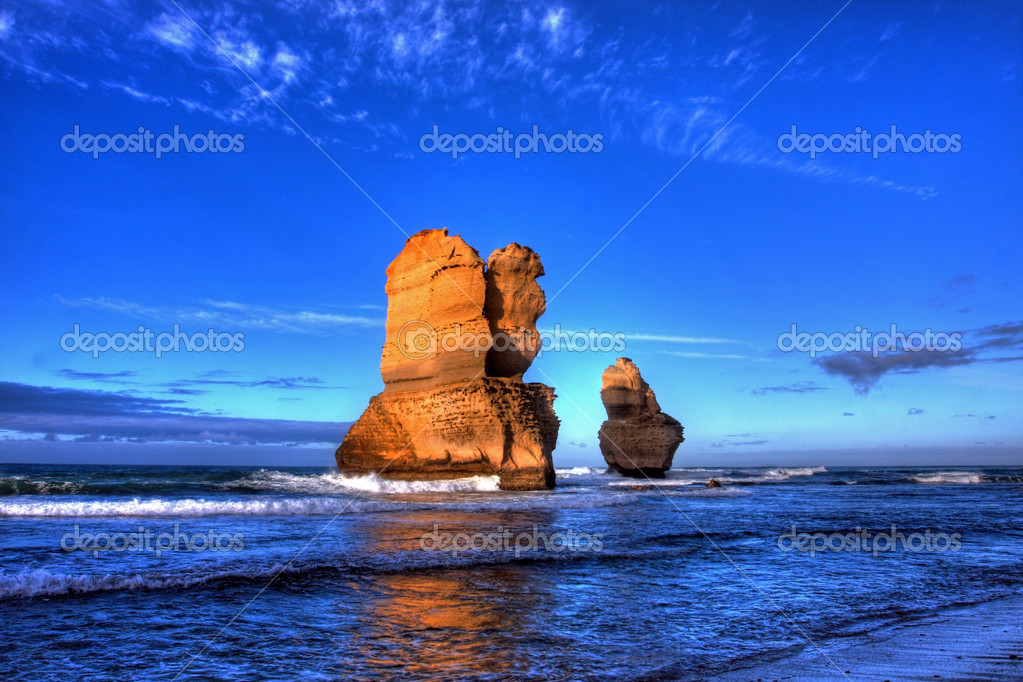Gibson steps and the twelve apostoles along great ocean road — Stock Photo #3373094