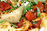 Fettuccini With Roasted Tomato And Basi — Stock Photo