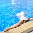 Stockfoto: Womin pool relaxing